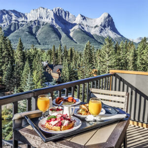 Hotel Malcolm Canmore Alberta - Canadian Rockies - Mountain view Breakfast
