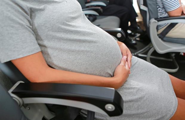 Viajar grávida ou com recém nascido faz mal para o bebê?