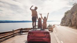 Aluguel de carro em viagens: confira 8 dicas imperdíveis