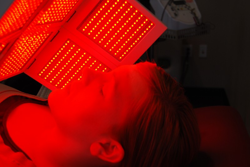 LED-Light-Therapy-Up-Close-Red_800