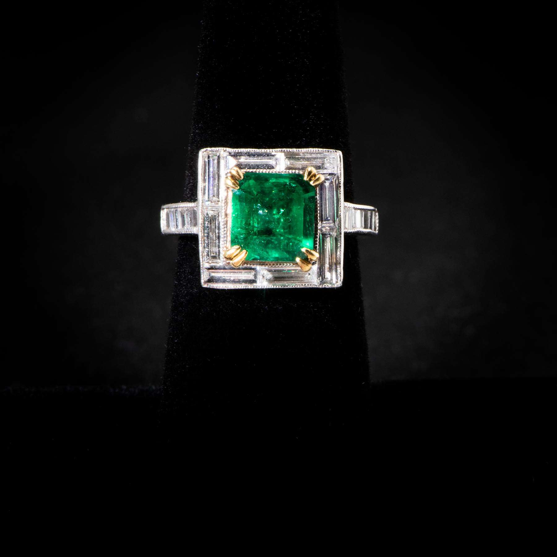 183-24BEXE, PLAT Ring W 2.8Cts Columbian Baguettes Emerald