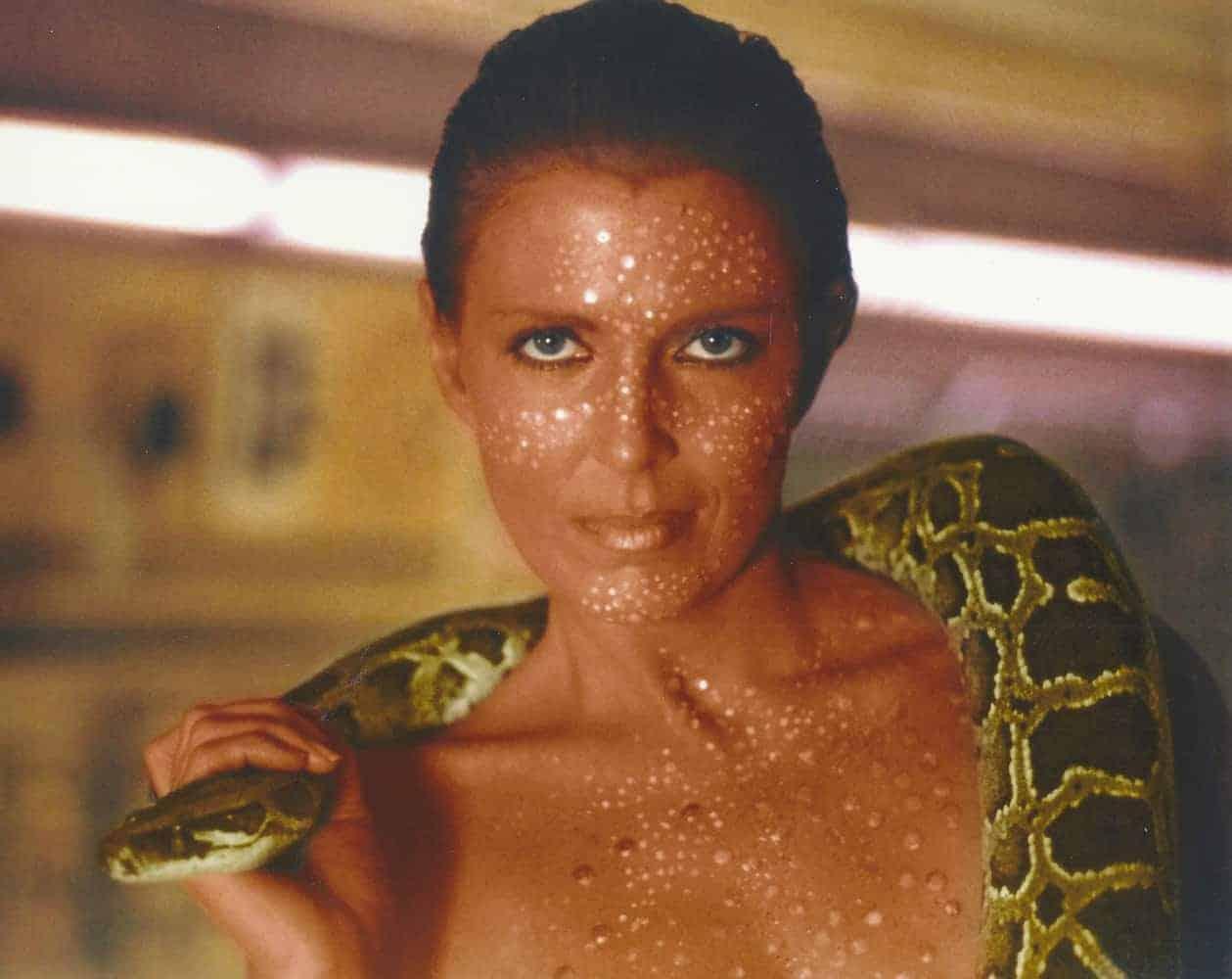 Joanna-Cassidy-Blade-Runner-Zhora6