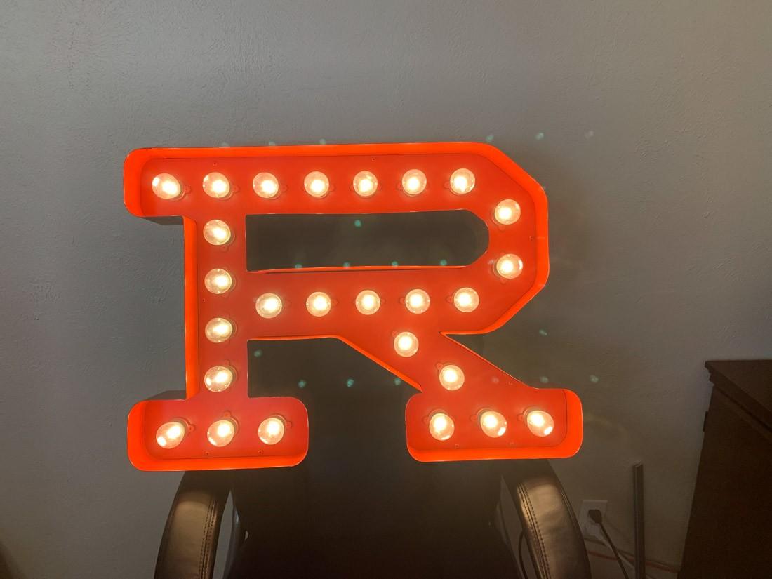 Single 3D letter signage