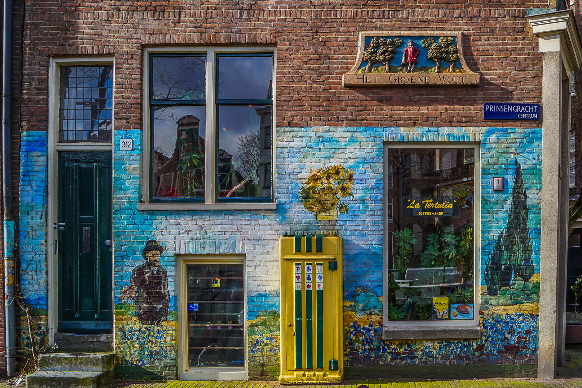 Secret Amsterdam: The weird house plaques