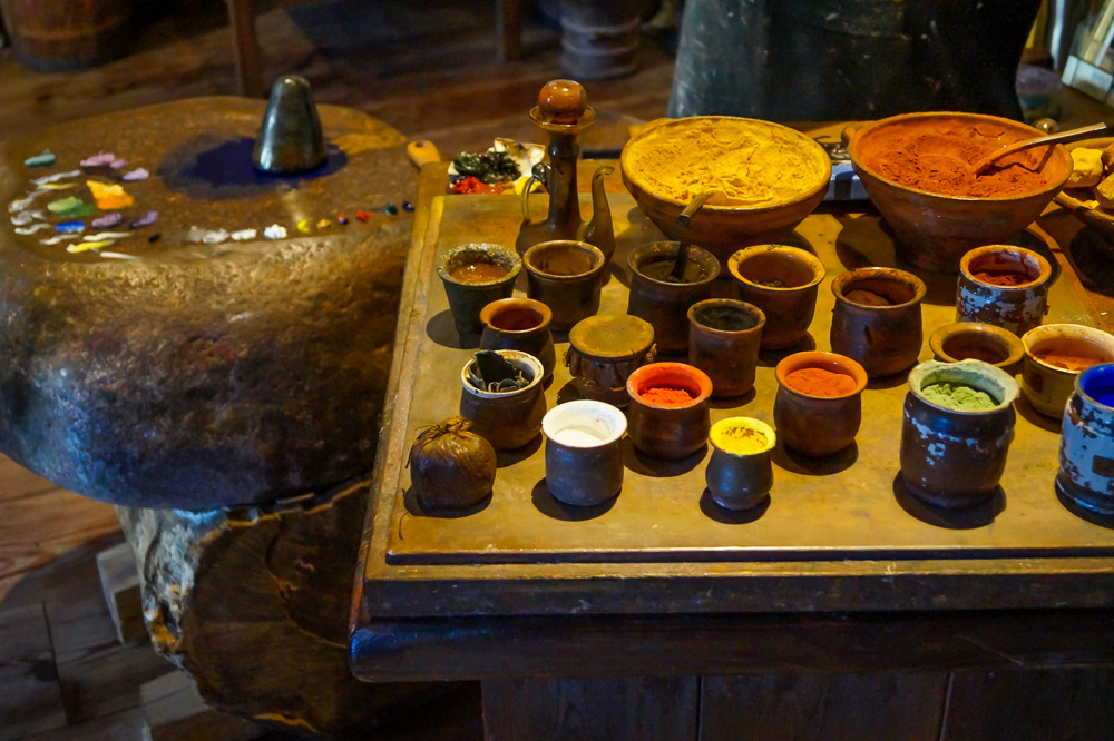 A demonstration of how the paints were made in Rembrandt House Museum