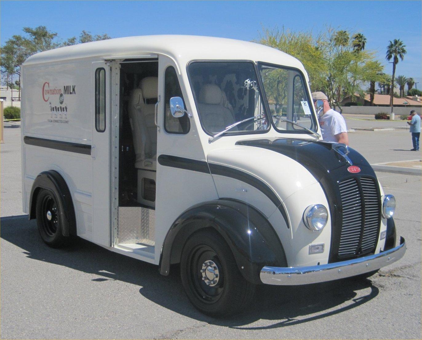 62 Divco Milk Truck