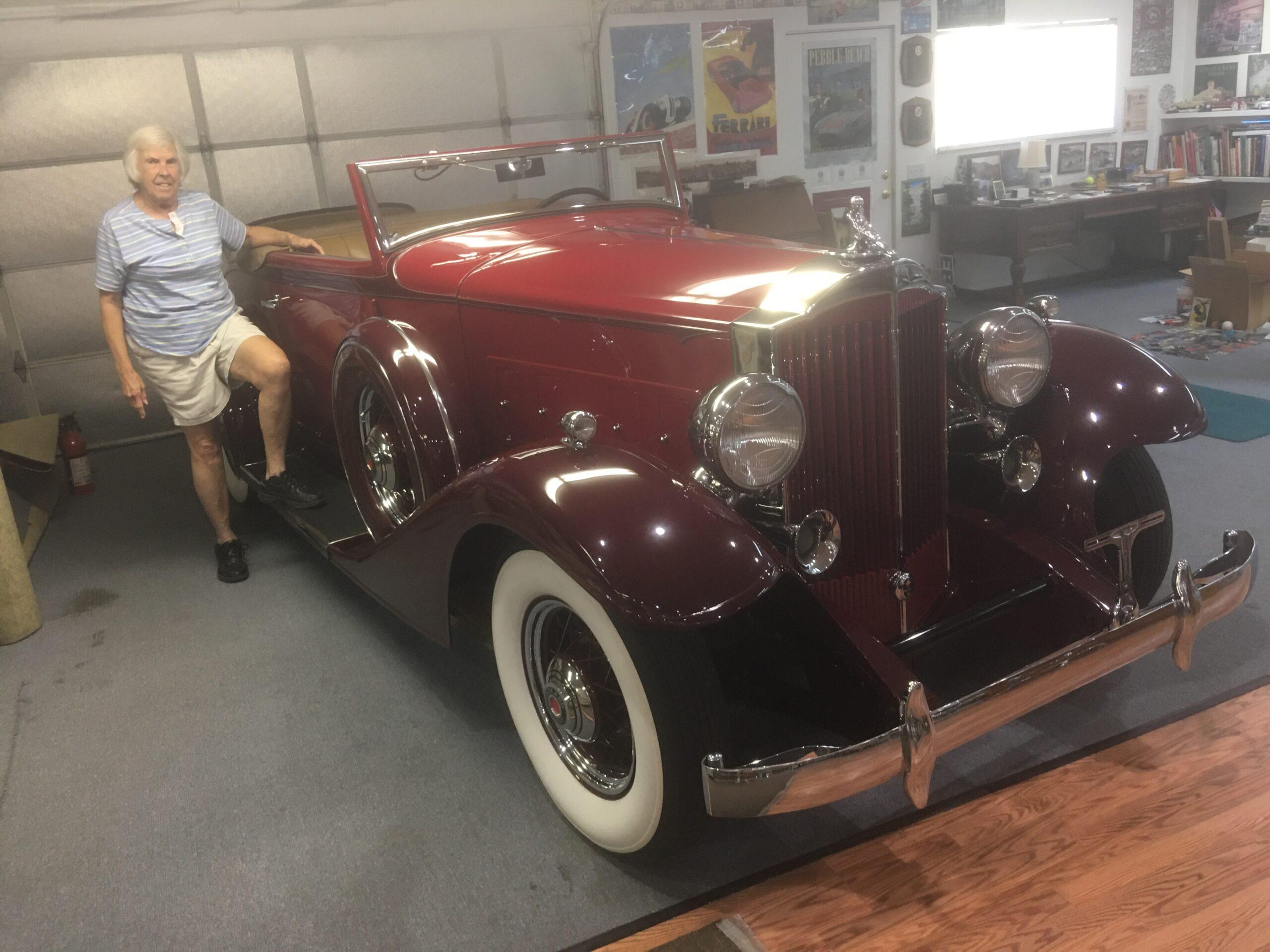 1933 Packard Roadster