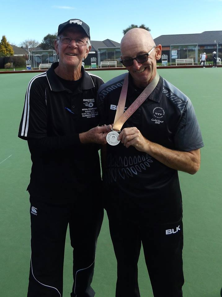 L - Frank Overend; Event Organiser. R - Bruce Wakefield NZ Para Athlete of the Year