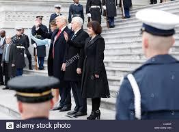 Trump should accept Pelosi's disinvitation to speak before Congress
