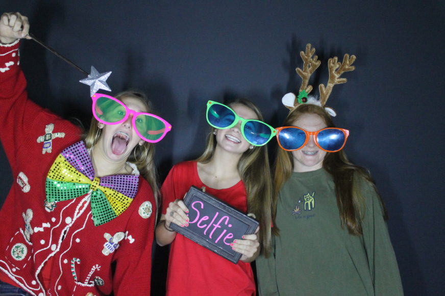 Bay Leaf Baptist Youth Christmas Party – Raleigh Photo Booth Fun