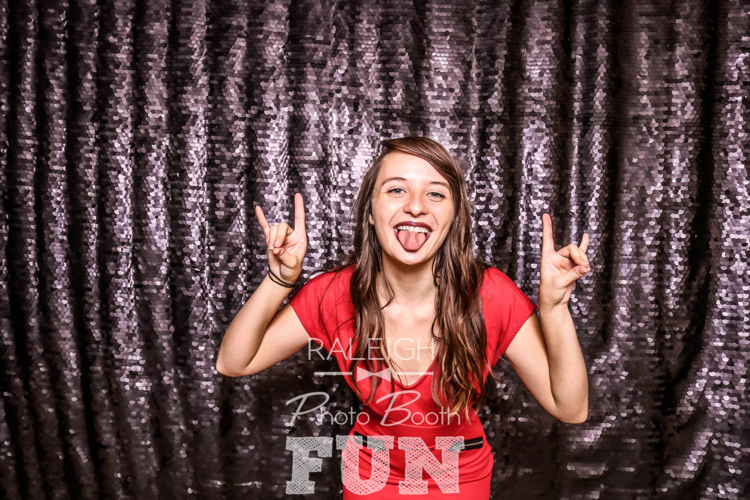 Black-Sequin-Raleigh-Photo-Booth-3