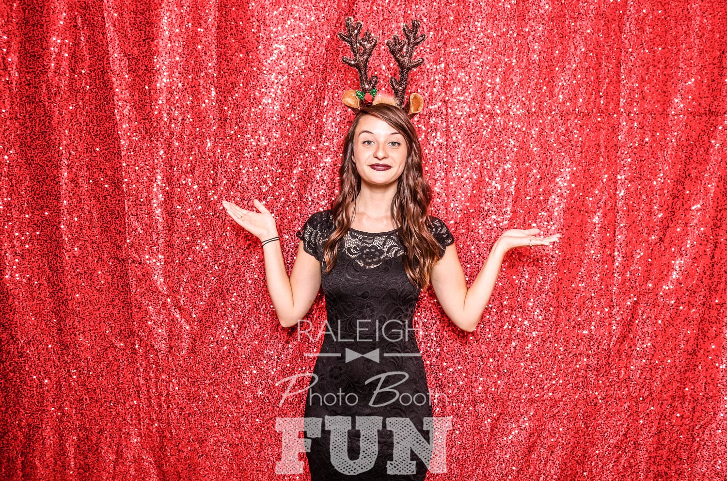 Red-Sequin-Raleigh-Photo-Booth