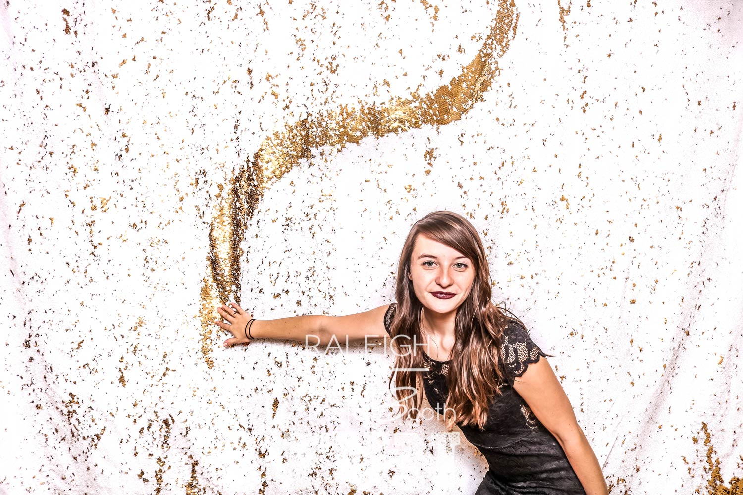 White-Gold-Sequin-Raleigh-Photo-Booth-1