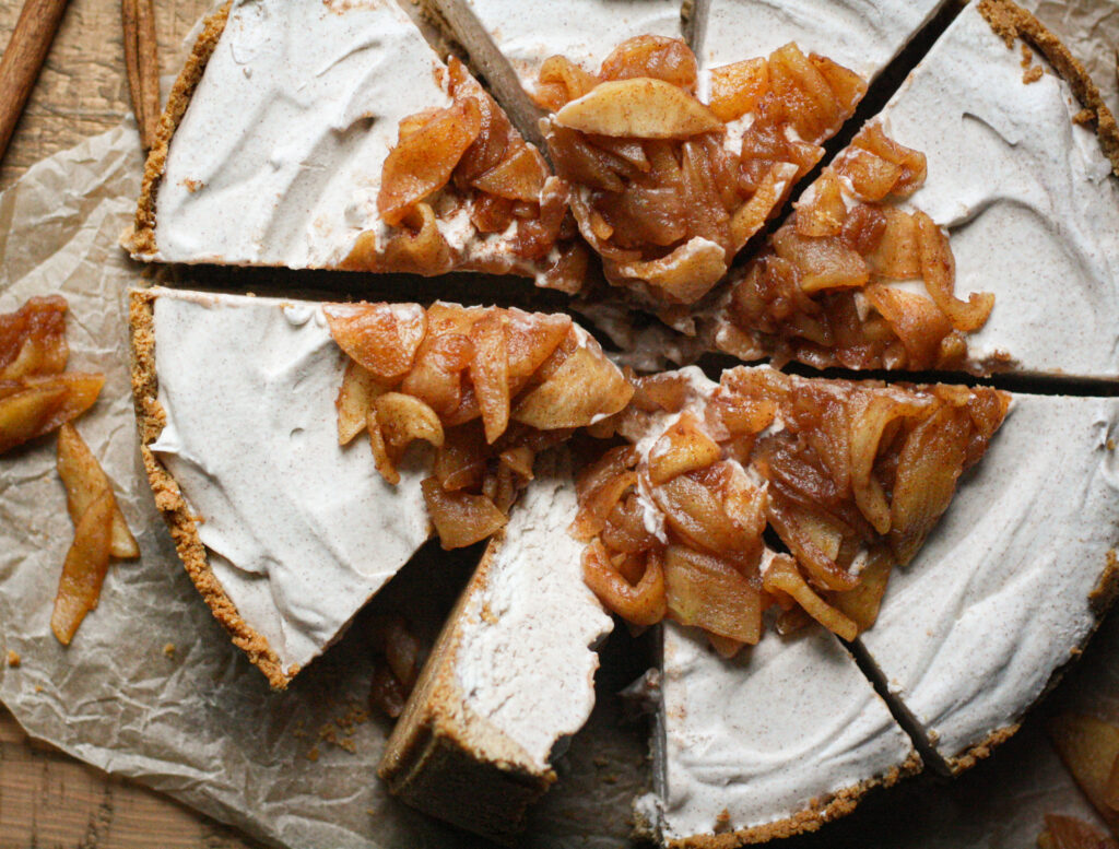 Cinnamon Apple Ice Cream Pie