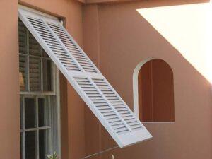 hurricane_shutters_for_your_window_2rmm7