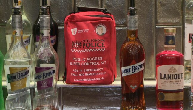 Knife Attacks On The Rise – London Police Issue Bleed Control Kits To Bars
