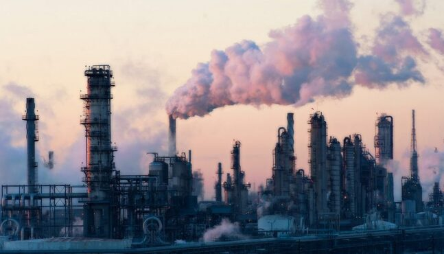 Oil Refineries Spew Cancer Causing Chemicals