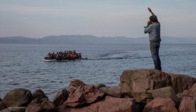 Greek govt plans 2.7 km long 'floating barrier' to stop migrant invaders