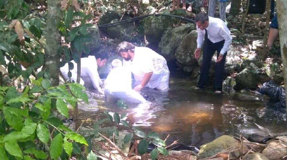 Batismos na Primeira Conferência Mundial do Segundo Convite no Brasil, 2019