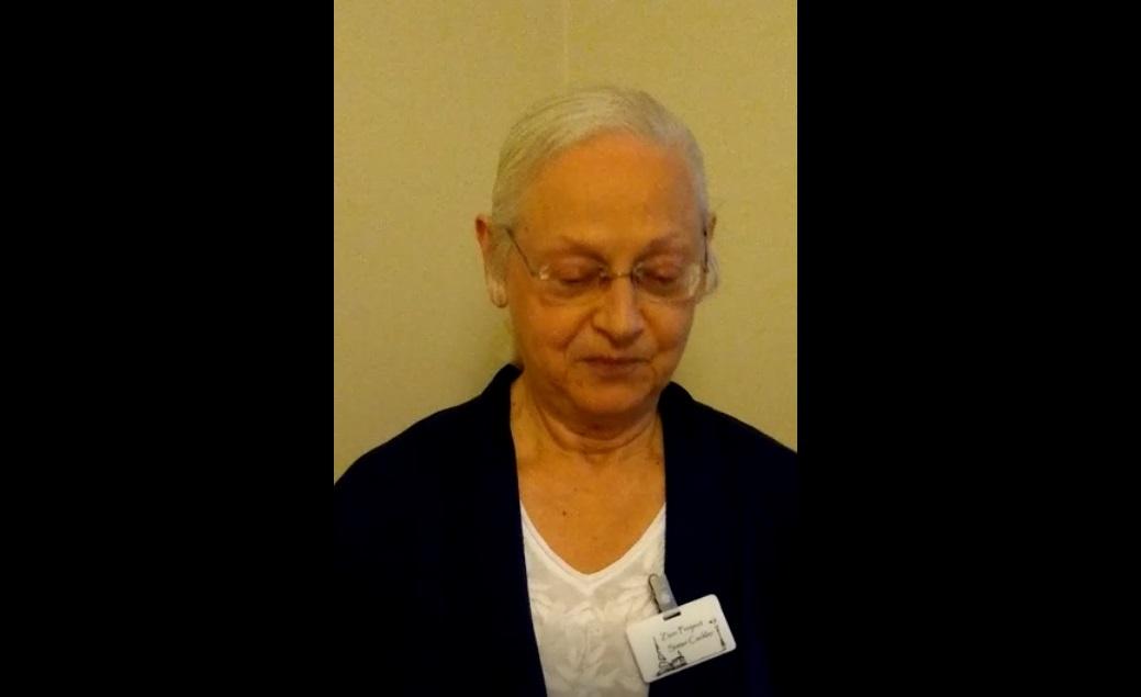 Conferência Mundial de abril de 2020 no Brasil, Irmã Melva Cackler encerra a conferência com oração.