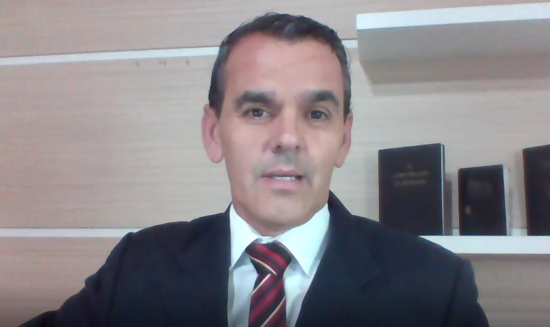 Revelação de abril de 2020 lida (em espanhol) pelo Apóstolo e Presidente da Missão, Valdeci Machado