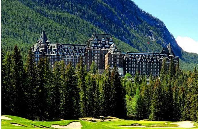 Canadian Gem: Fairmont Banff Springs