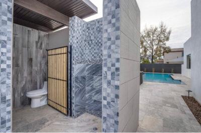 Outdoor Bathroom & Shower