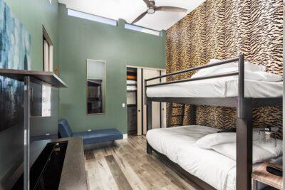 Bedroom 4 2 Queen Adult Bunks