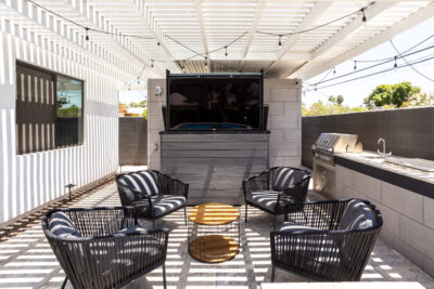 Large Screen TV & Grill