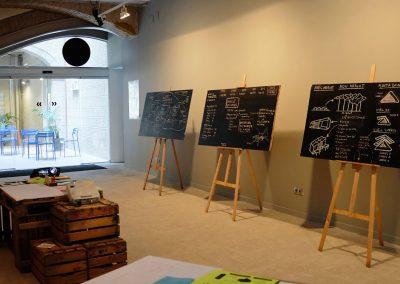 agi-exhibition-2014-menos-es-mas-02