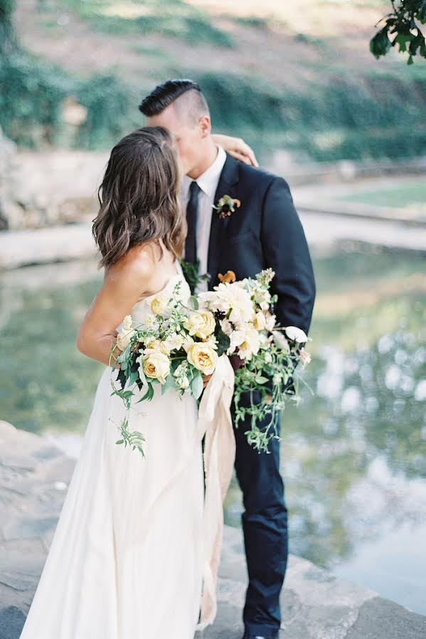 7 Things Brides Should Bring To Their First Florist Appointment