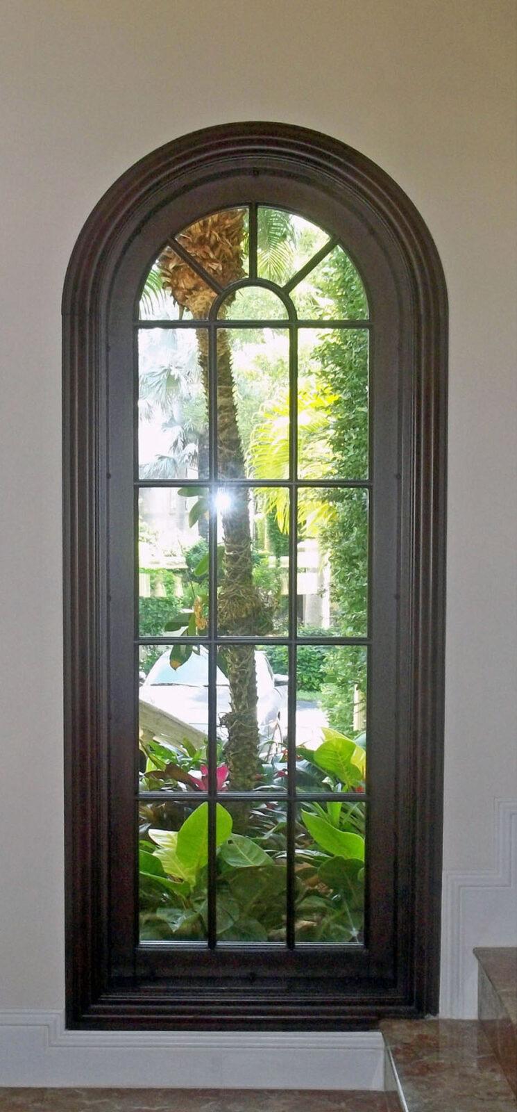COCOPLUM MAHOGANY WINDOW