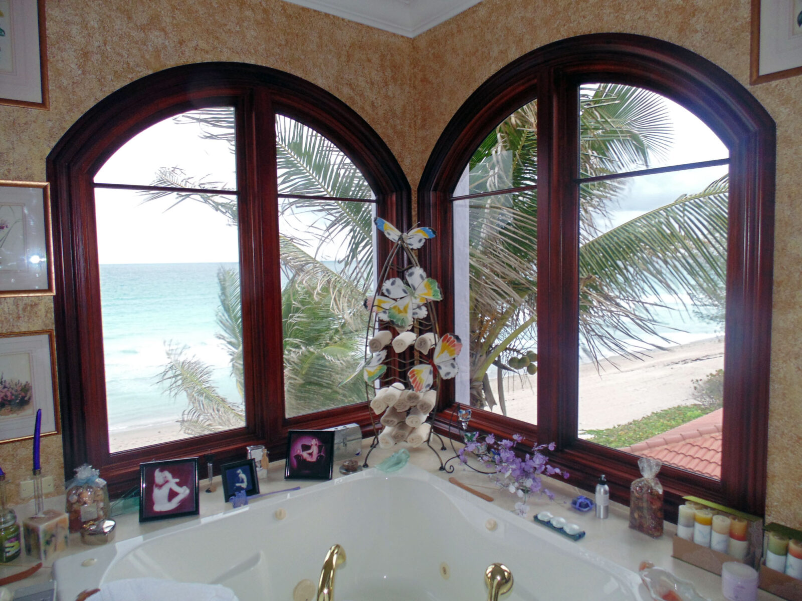 HIGHLAND BEACH MAHOGANY BATHROOM WINDOWS