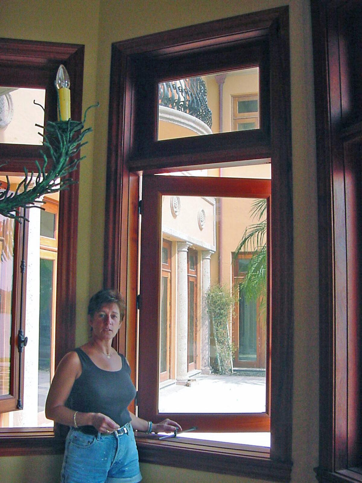 LANTANA CASEMENT WINDOW