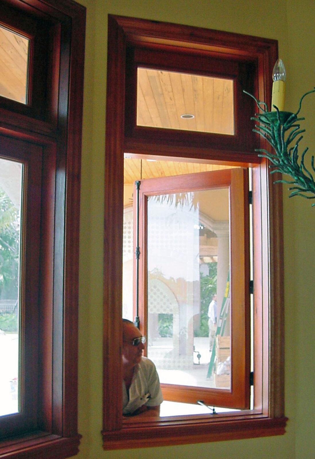 LANTANA CASEMENT WINDOWS