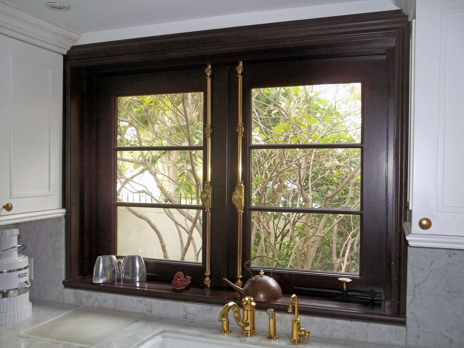 MIAMI BEACH TRADITIONAL CASEMENT WINDOWS