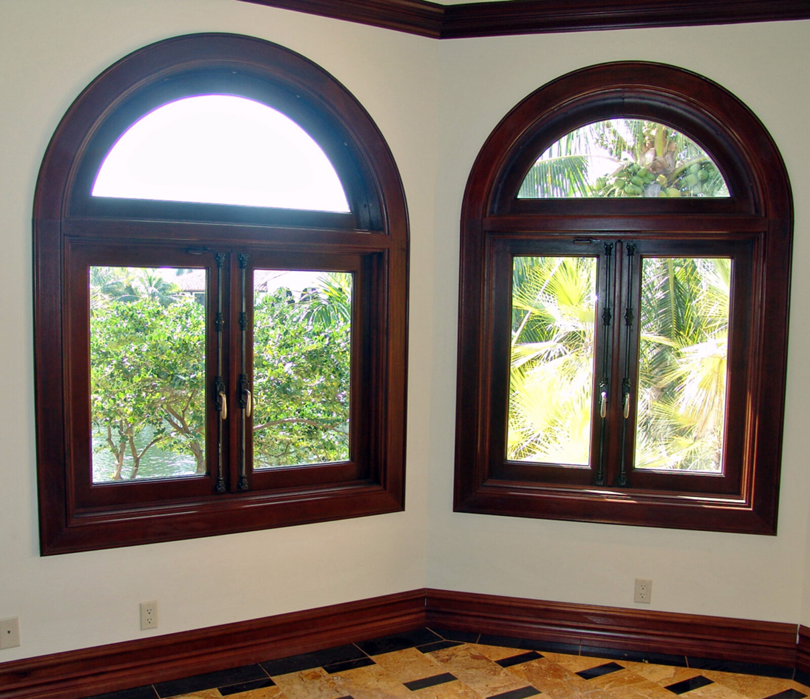 NURMI ISLAND MAHOGANY ARCHED WINDOWS