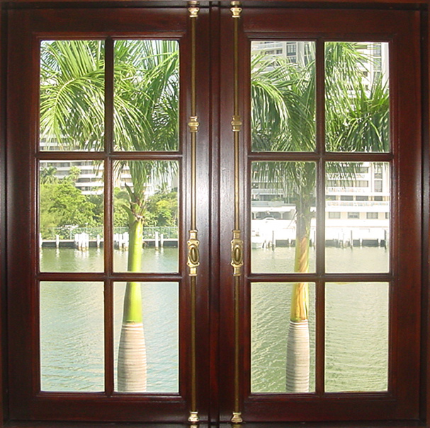PINE BAY MAHOGANY CASEMENT WINDOWS