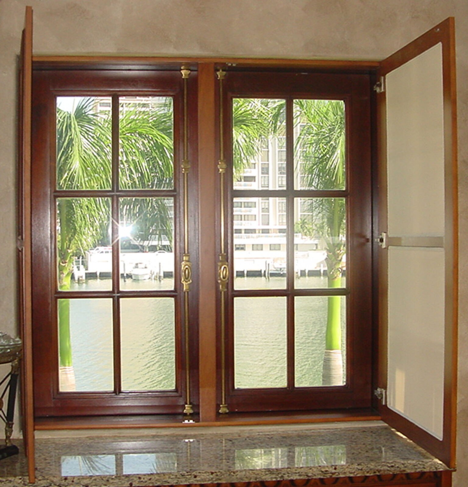 PINE BAY MAHOGANY WINDOW.