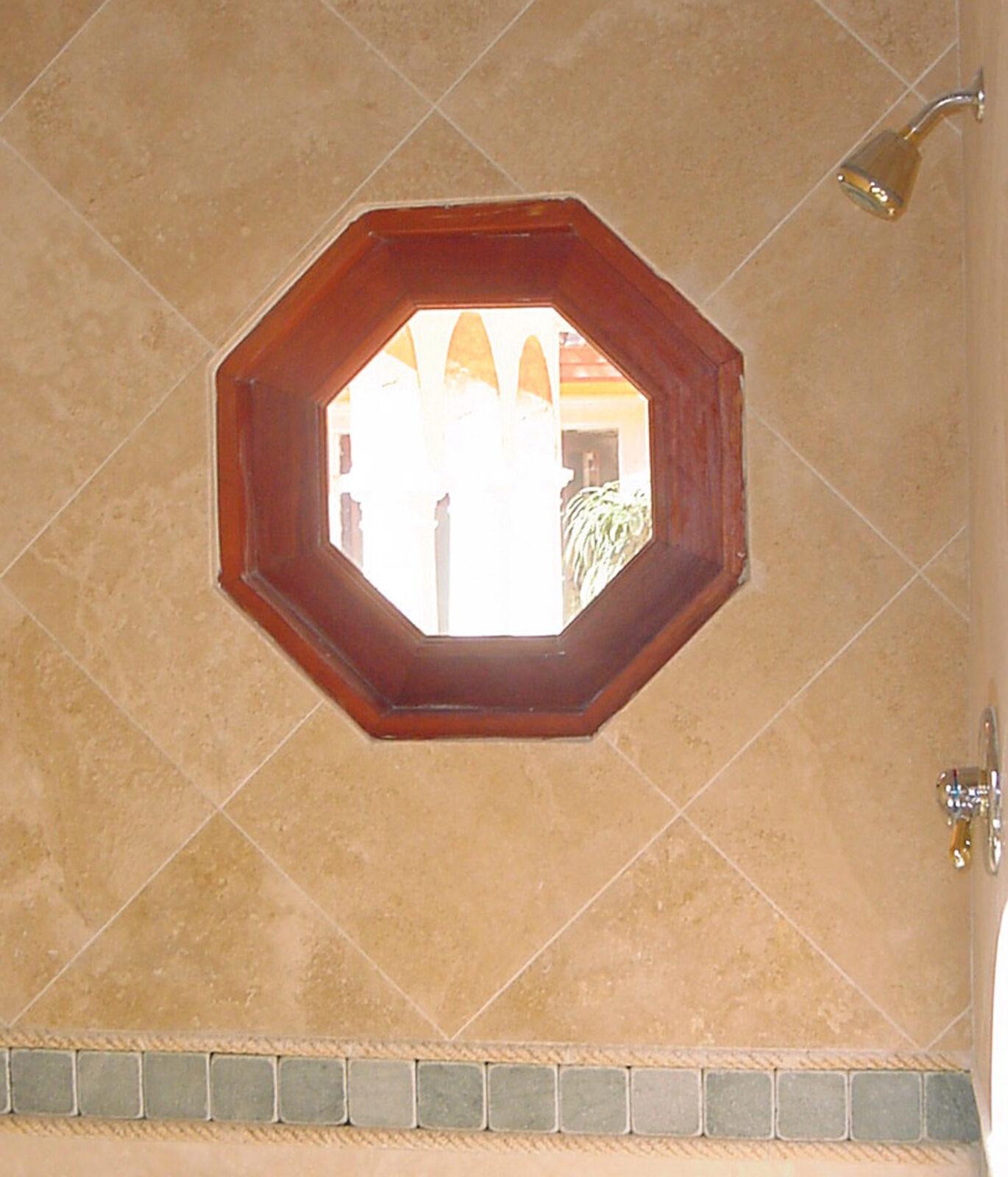 SANTA FE BATHROOM OCTAGONAL WINDOW
