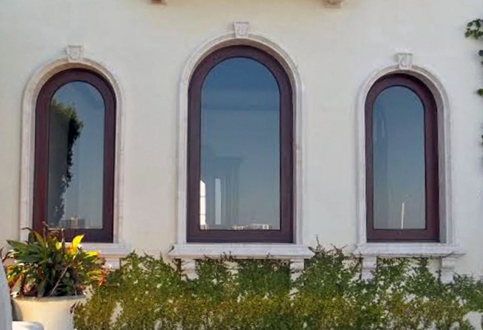 SOUTH MIAMI BEACH WINDOWS