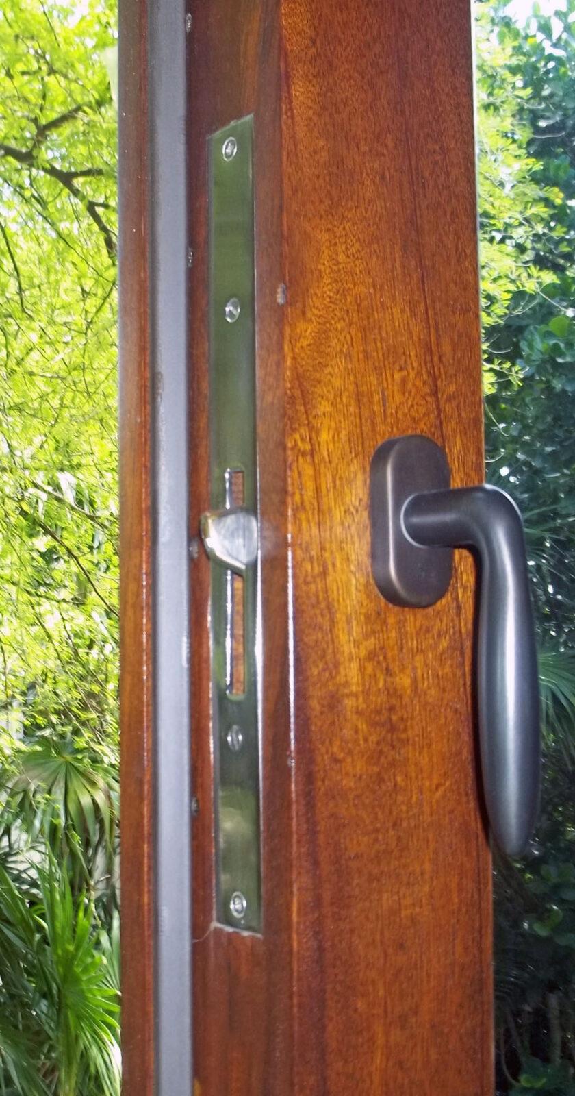 TAHITI BEACH CASEMENT WINDOWS