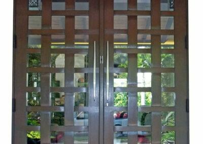 FISHERMANS NET. MAHOGANY DOORS.