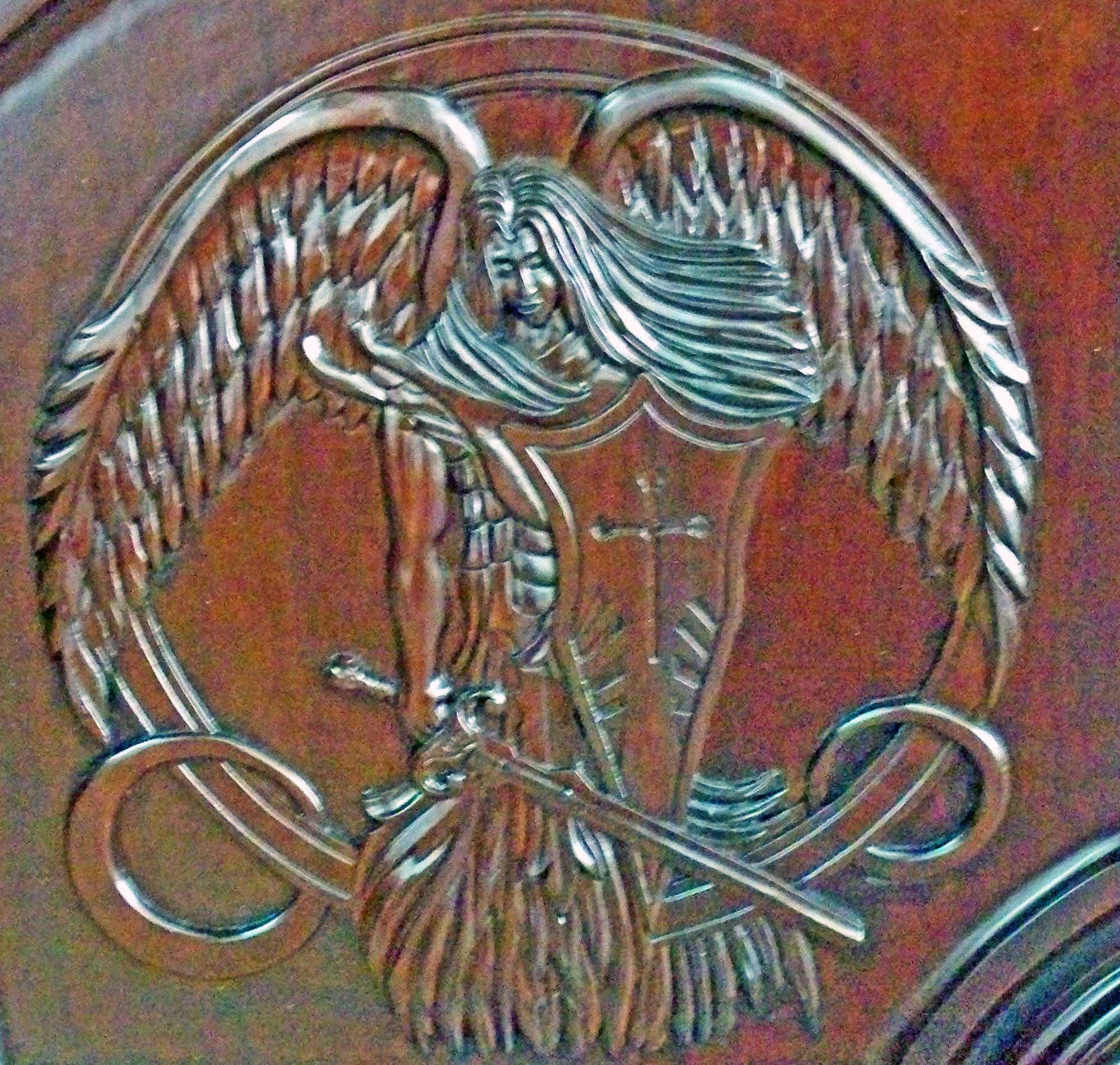 ANGELES MAHOGANY CARVED DOOR DETAIL