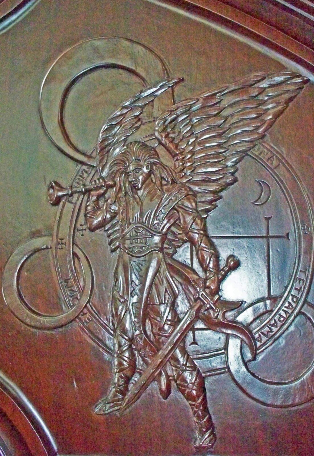 ANGELES MAHOGANY CARVED DOOR DETAIL