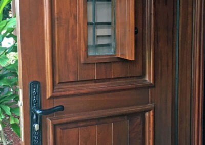 MALIBU MAHOGANY DOOR. INTERIOR