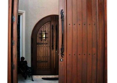 AVENTURA. MAHOGANY GATE DOOR.