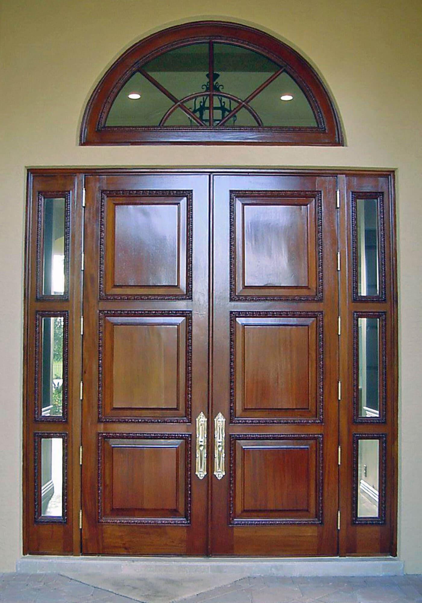 PALMETTO BAY VILLAGE. MAHOGANY ENTRANCE DOORS.