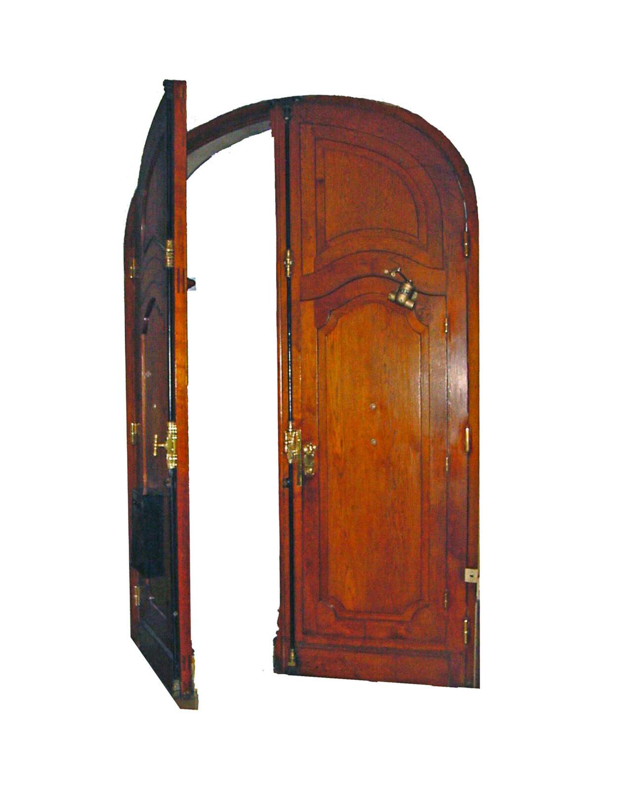 BIG PINE KEY MAHOGANY DOOR INTERIOR.