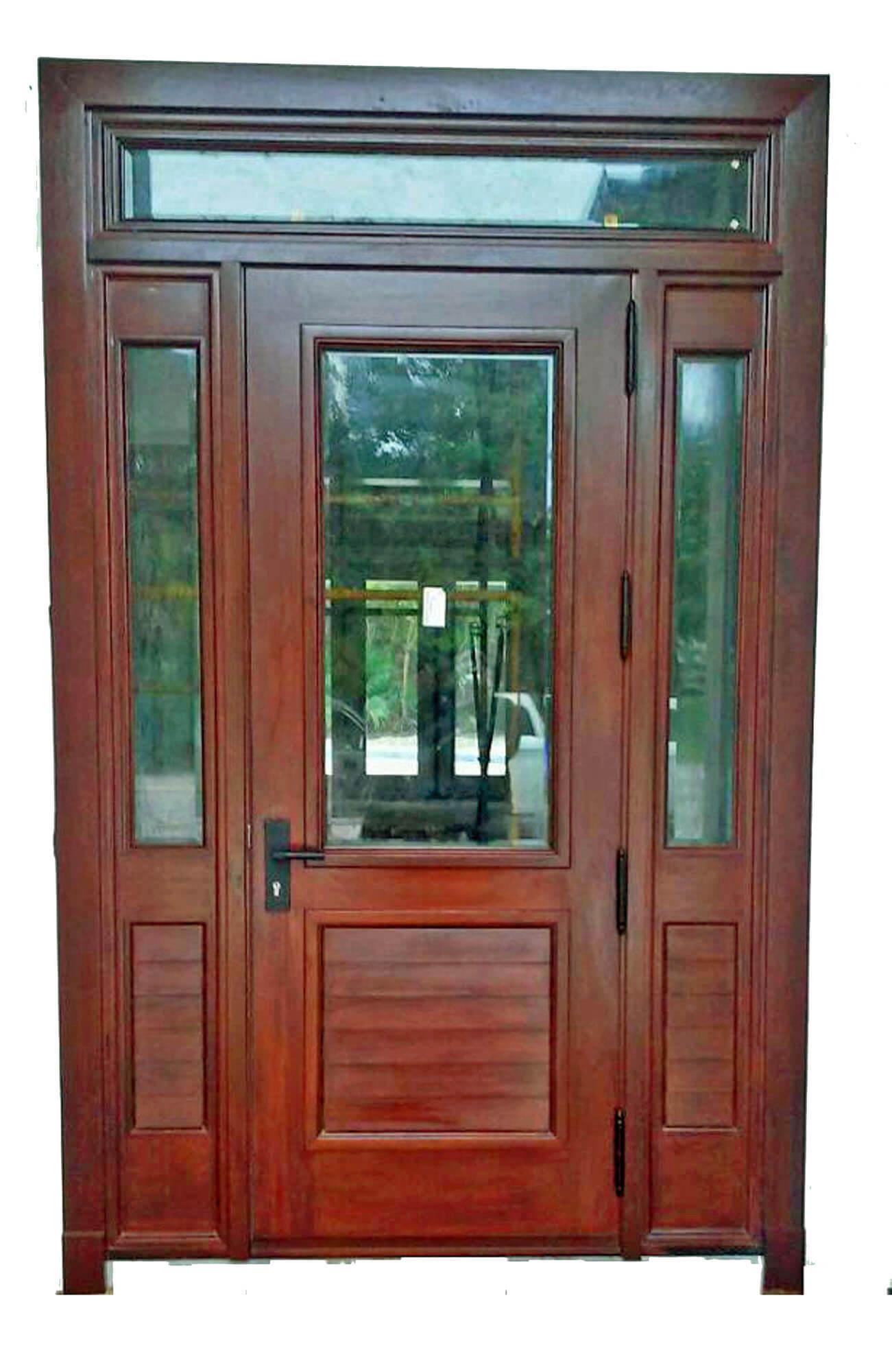 SEGOVIA MAHOGANY DOOR.